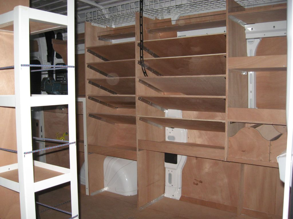 amenagement atelier id es de design d 39 int rieur. Black Bedroom Furniture Sets. Home Design Ideas